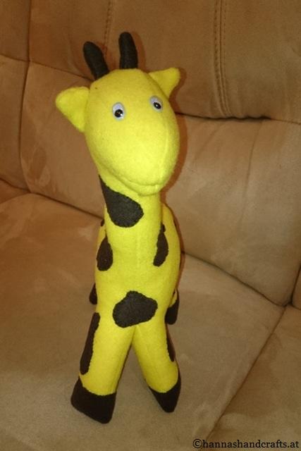 4. Giraffe front
